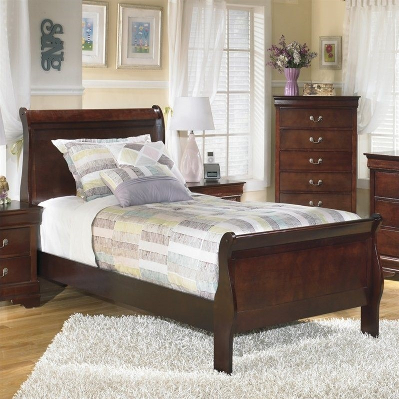 Ashley Furniture Alisdair Traditional Wood Sleigh Bed In
