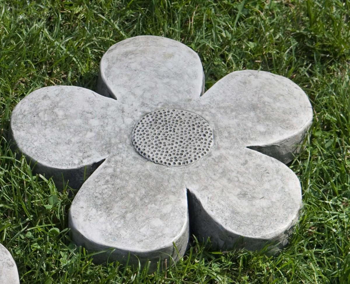 Campania International Flower Power Travertine Small