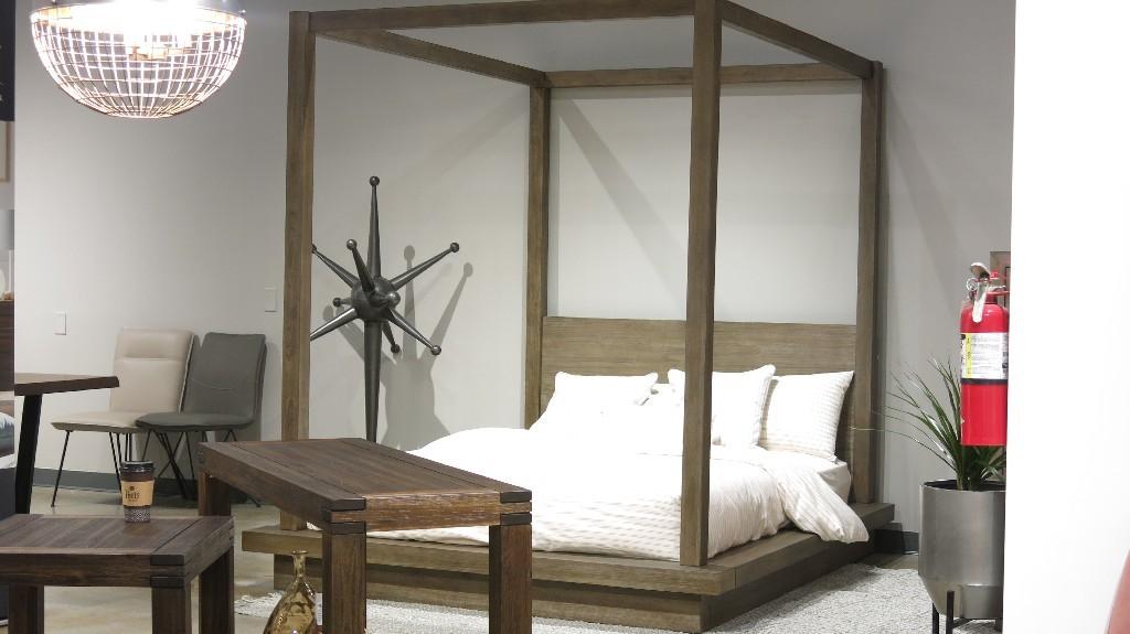 Modus Furniture International Melbourne King-size Canopy Bed in Dark Pine -  Modus 8D64F7
